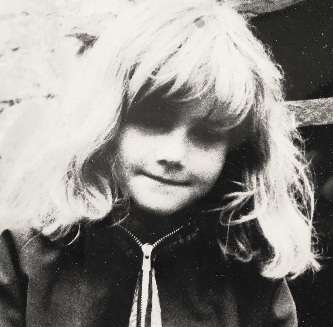Oona Alexander as a young girl